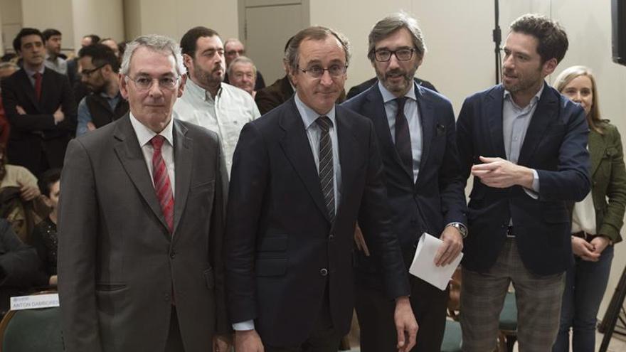 """El PP vasco se erige en la alternativa al """"pensamiento único"""" nacionalista"""