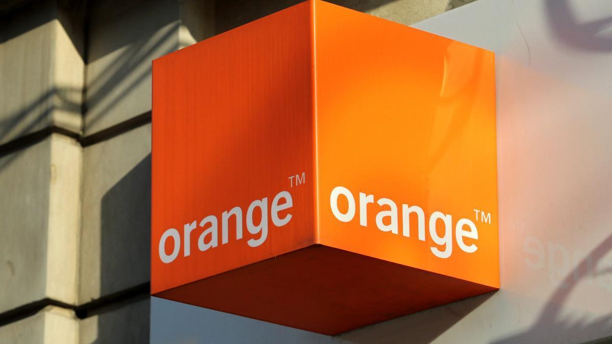 Un logo de la telefónica Orange. EFE/RADEK PIETRUSZKA/Archivo