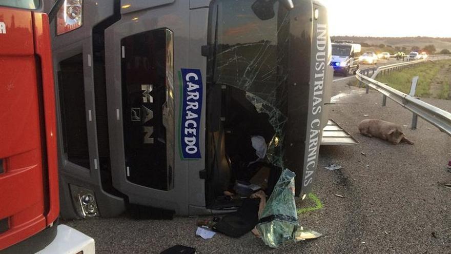 Dos fallecidos y cuatro heridos en accidente en Autovía Rías Bajas en Zamora