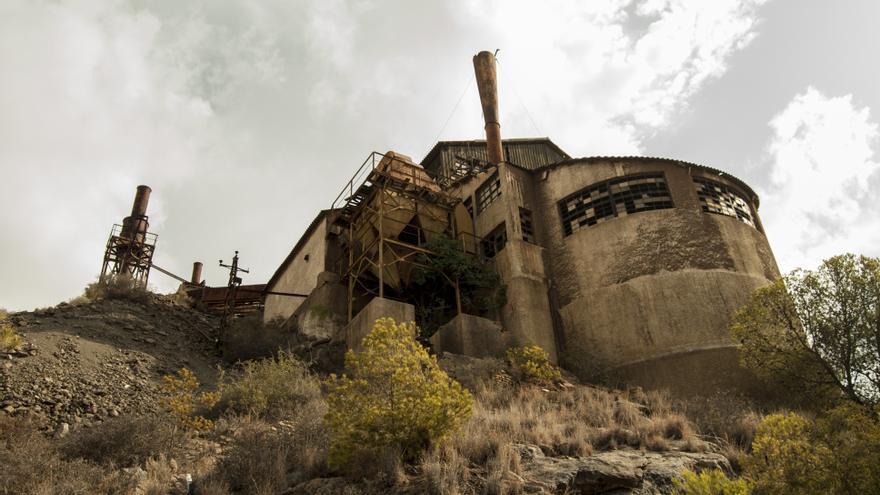 Los residuos de la Bahía de Portmán no son las únicas huellas de su pasado minero / Foto: Rafa López