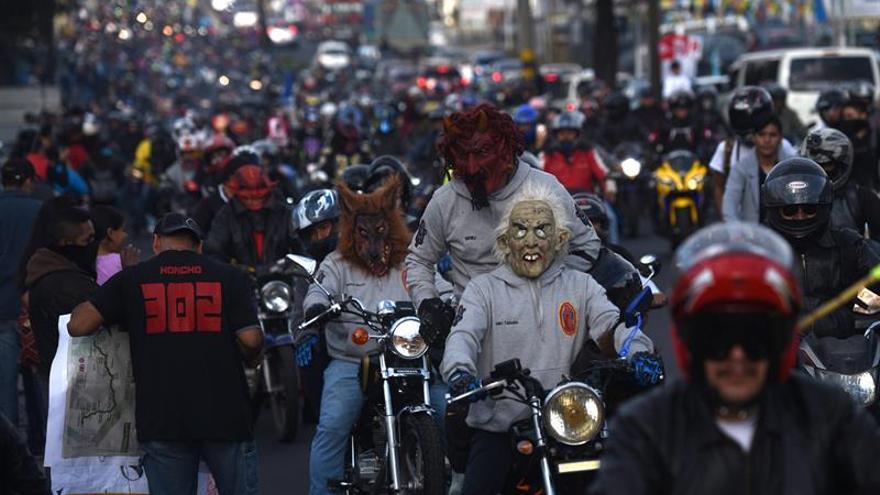 La caravana de motociclistas en Guatemala emprende el retorno con catorce heridos