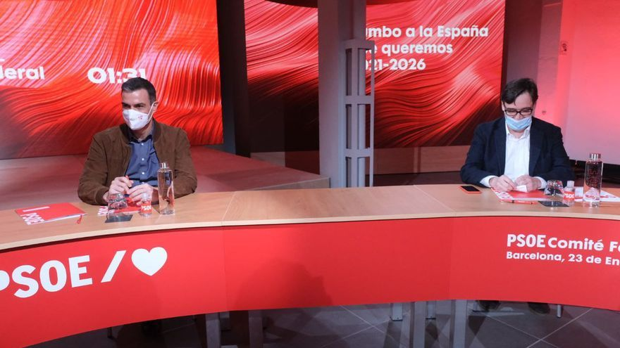 Sánchez y Casado lanzan en Catalunya la campaña más incierta