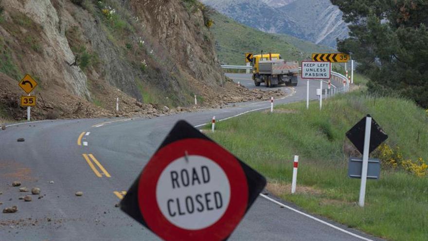 El mandatario neozelandés retrasa su gira sudamericana tras el fuerte terremoto