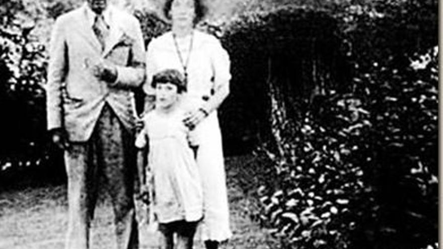 Gerald Brenan y Gamel Woolsey, en su casa de Churriana (Málaga)