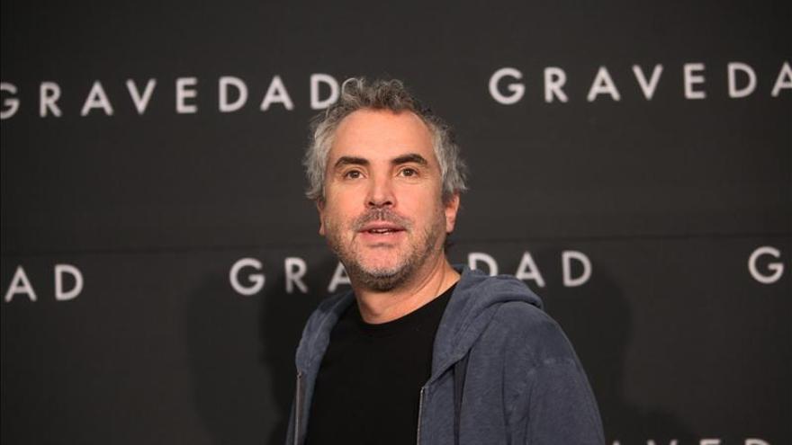 """Cuarón pide a China que le lleve al espacio, en el estreno local de """"Gravity"""""""