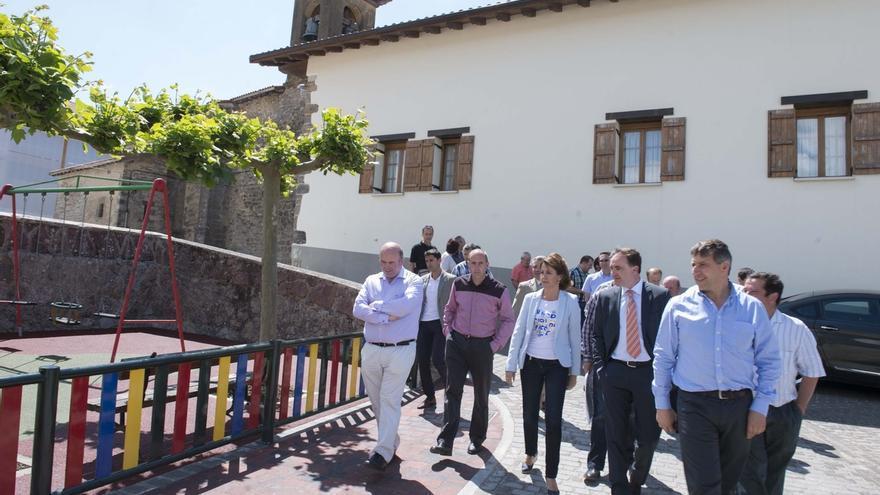 Renovada la pavimentación del entorno del Camino de Santiago a su paso por Bizkarreta-Gerendiain (Erro)