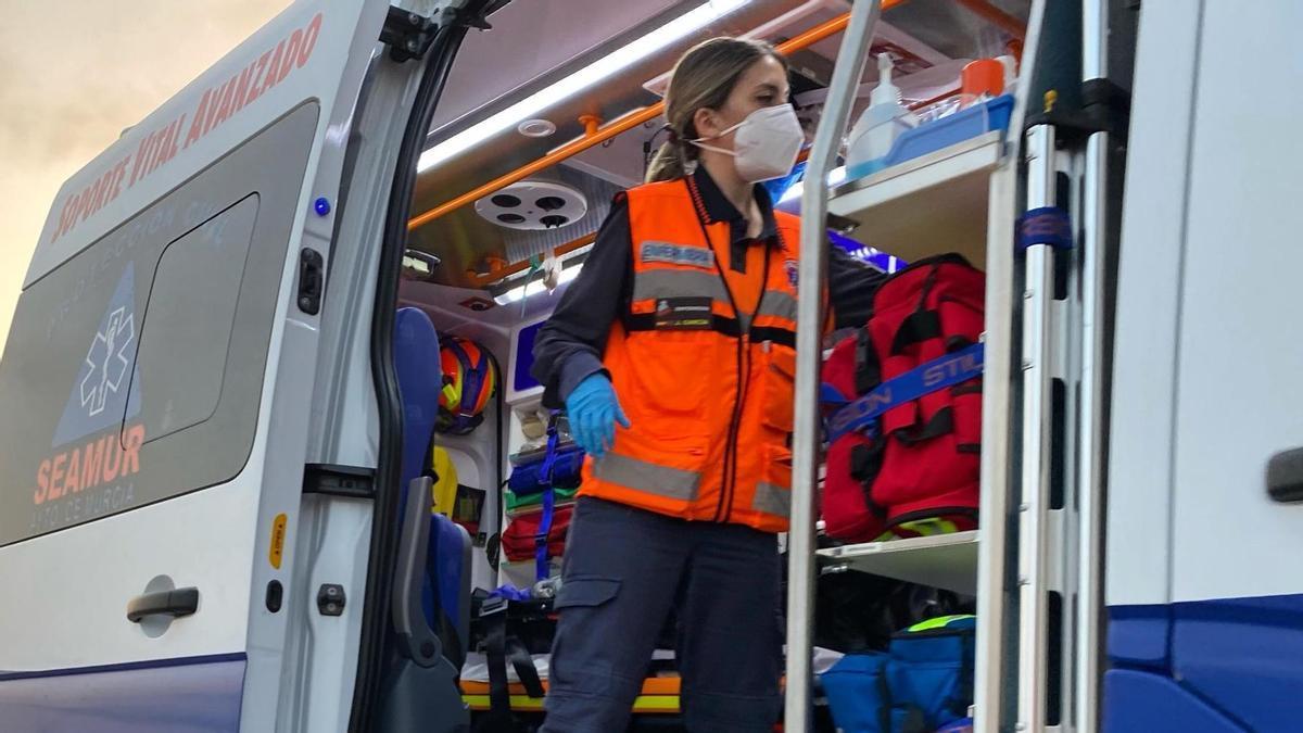 Integrante de Protección civil en una imagen de archivo