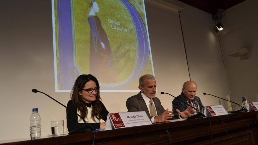 La vicepresidenta y consellera de Igualdad, Mónica Oltra, inaugura el ciclo 'Dones i Literatura'