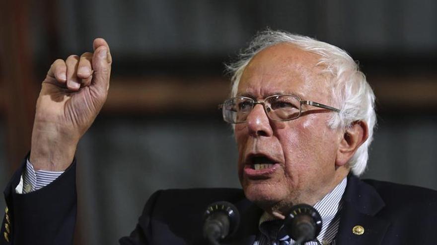 """Sanders a sus seguidores: """"Tenemos que vencer a Trump y elegir a Clinton"""""""