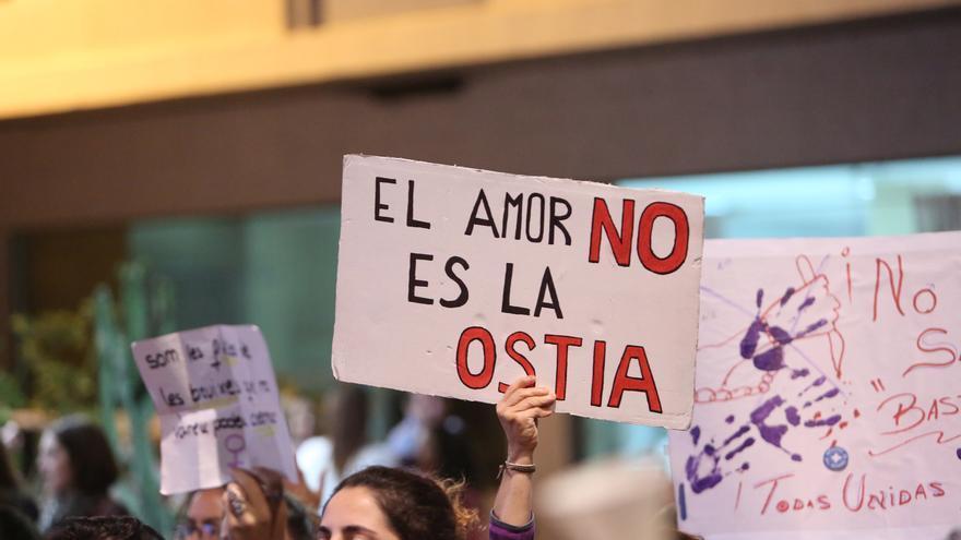 Cartel en la manifestación contra la violencia machista en Las Palmas de Gran Canaria