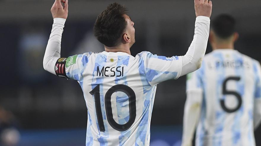 Lionel Messi, genio y figura. Una noche soñada para el capitán argentino que pudo disfrutar con los hinchas, después de mucho tiempo.