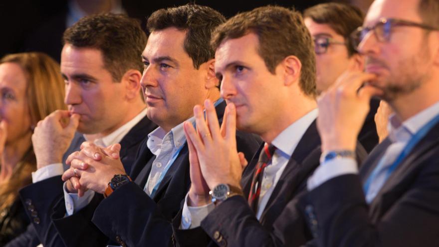 Pablo Casado, con Teodoro García Egea, Juanma Moreno y Javier Maroto, durante la Interparlamentaria del PP en Sevilla