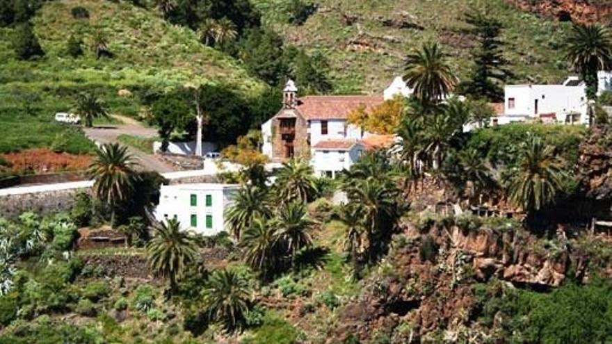 En la imagen, entorno del poblado troglodita y Santuario de Nuestra Señora Las Nieves (Santa Cruz de La Palma). Foto: Miguel A. Martín.