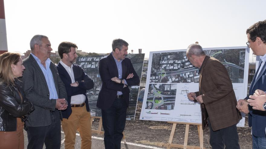 El presidente del Gobierno de Canarias y del Cabildo de Tenerife visitan las obras del enlace TF-1 (Chafiras- Oroteanda).