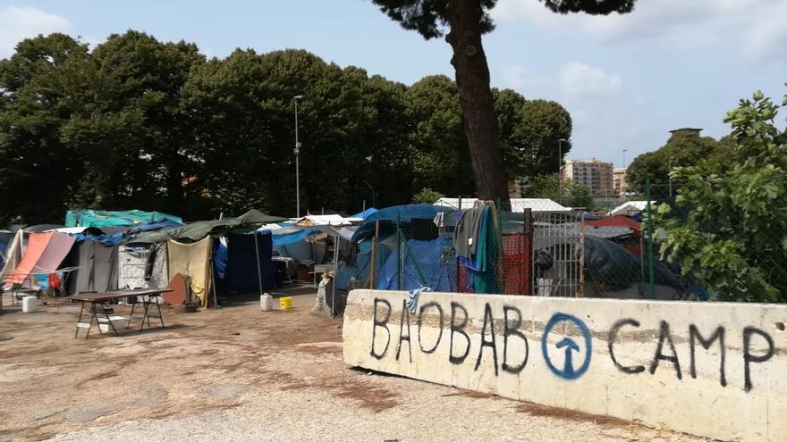 Imagen del campo habilitado por Baobab en Roma.