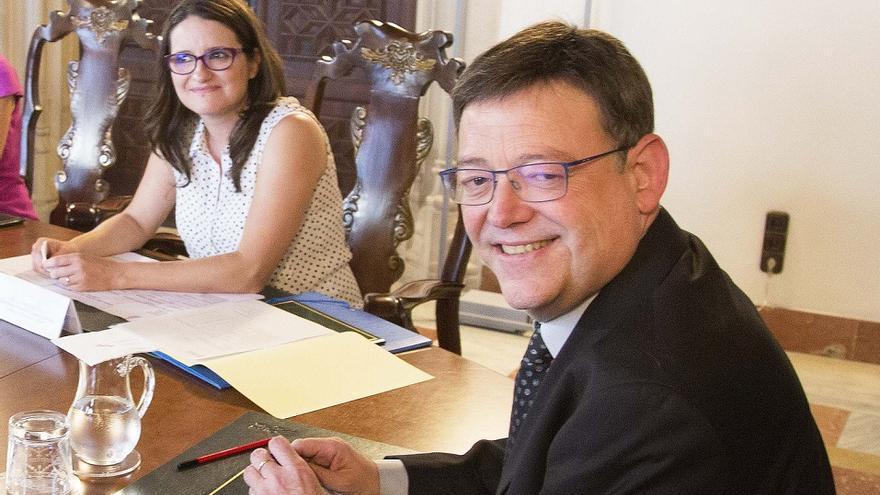 Mónica Oltra i Ximo Puig en un pleno del Consell