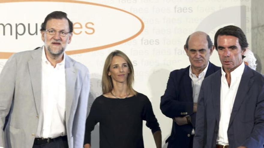 Mariano Rajoy, Cayetana Álvarez de Toledo, Astarloa y Rajoy en el eterno PP. EFE