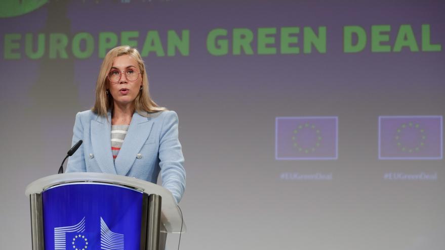 La CE analiza las medidas de España para abaratar la factura eléctrica