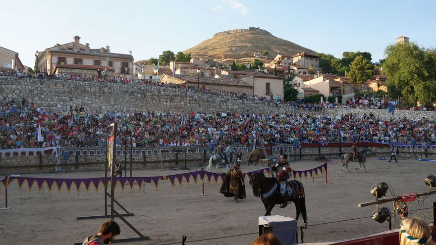 Justas medievales en el Festival Medieval de Hita