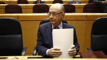 El ministro de Hacienda, Crítobal Montoro,  dice que los nuevos PGE incluirán 5.000 millones más para las CCAA