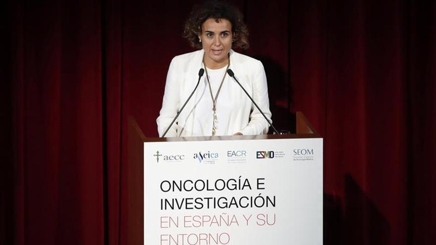 Montserrat proclama ante la Reina que el Gobierno hará cumplir la ley en Cataluña