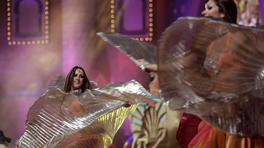 Gala de elección de la Reina del Carnaval de las Mil y una Noches de Las Palmas de Gran Canaria. (Efe/Ángel Medina G.).