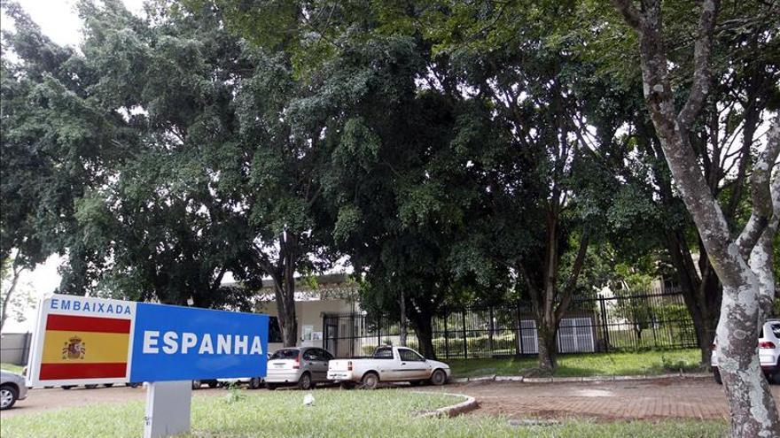 El juez cita a declarar al comisario español que mató a su mujer en Brasil