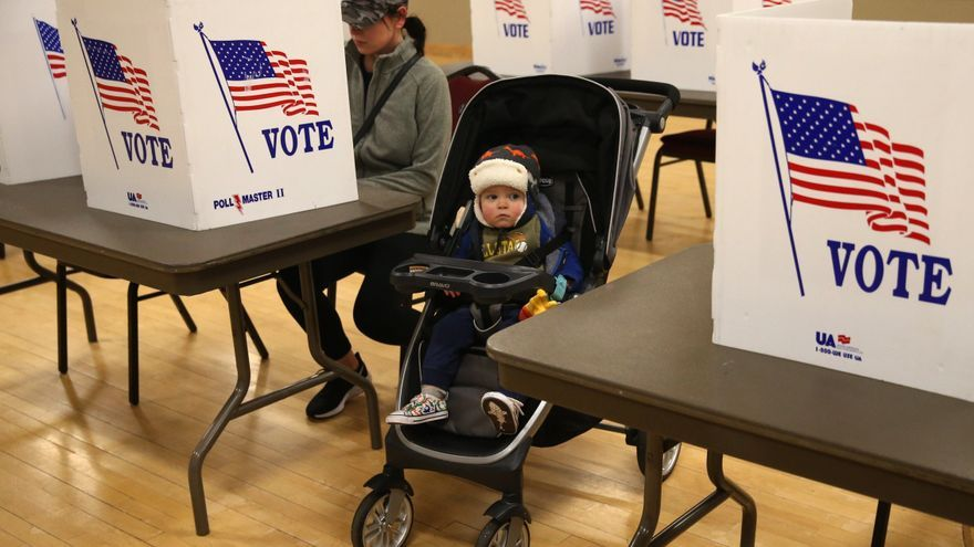 Un centro de votación en St. Charles, Missouri.