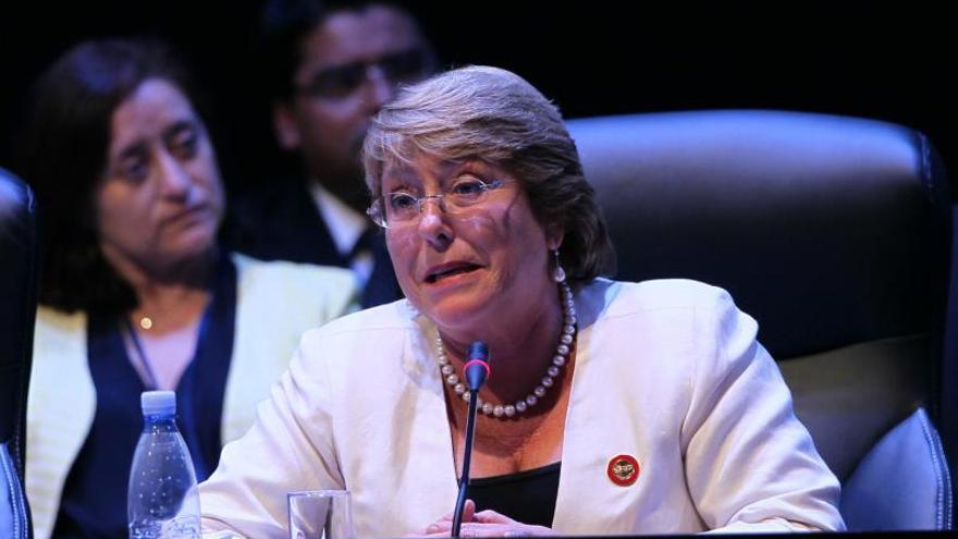 Bachelet se compromete a apoyar la integración regional impulsando la Celac