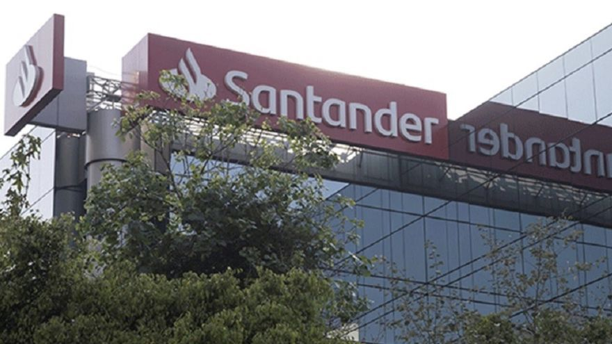 Santander Consumer Finance adquiere coches.com