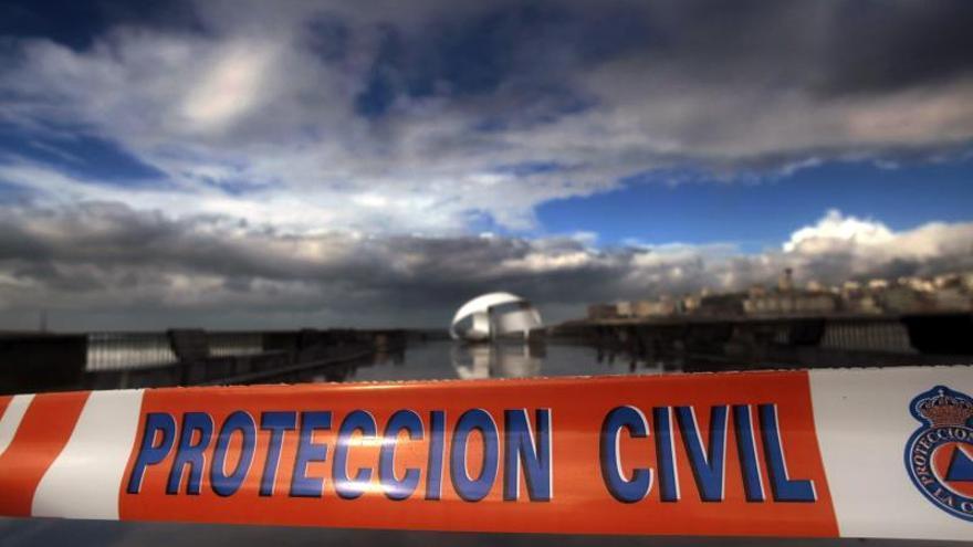 A Coruña rinde homenaje a los tres héroes del Orzán en su segundo aniversario