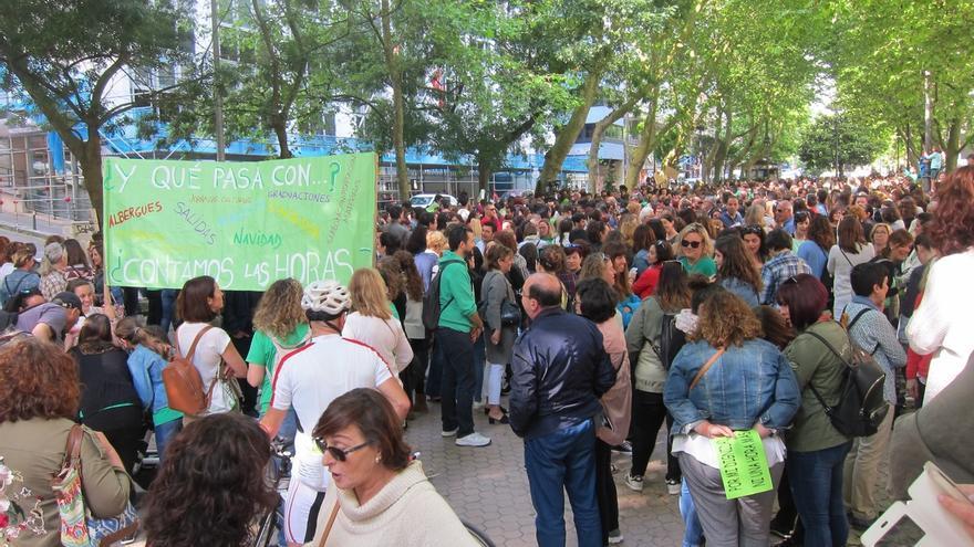 """Los sindicatos dicen que el seguimiento de la huelga """"por la calidad"""" de la educación es """"masivo"""""""