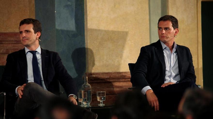 Pablo Casado, líder nacional del PP, y Albert Rivera, de Ciudadanos.