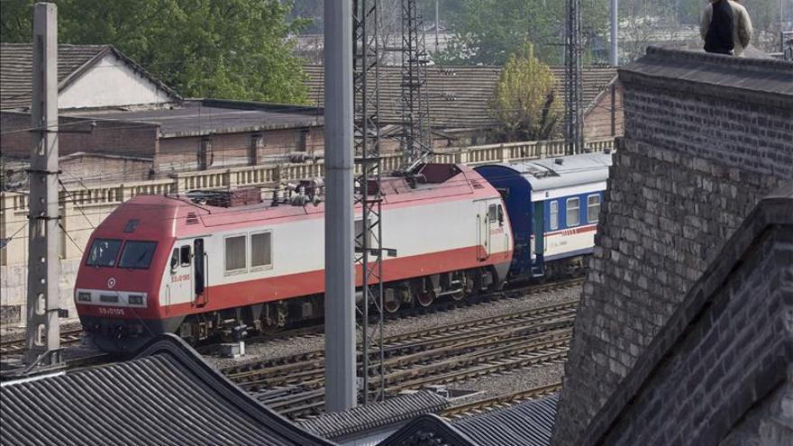 Muere el presidente de gran constructor de trenes chino en aparente suicidio