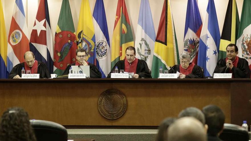 La CorteIDH condena a Guatemala por facilitar una red de adopciones ilegales