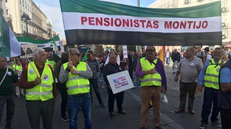 Algunos de los pensionistas extremeños que se sumaron a la protesta en Madrid