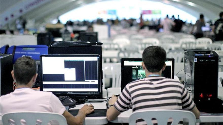 """Los internautas dicen que la reforma de la LPI """"criminaliza"""" el enlace"""