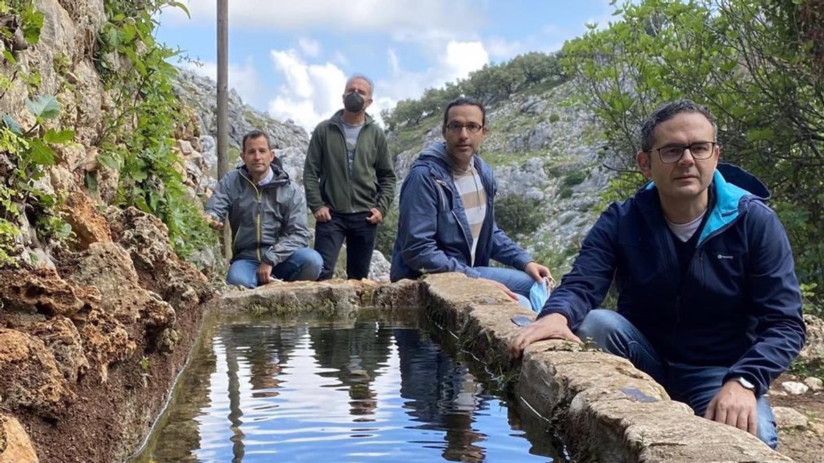 La Junta restaura fuentes del patrimonio rural de Zuheros.
