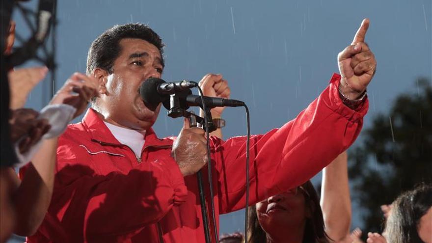 Chavistas y opositores llaman a los venezolanos a participar masivamente
