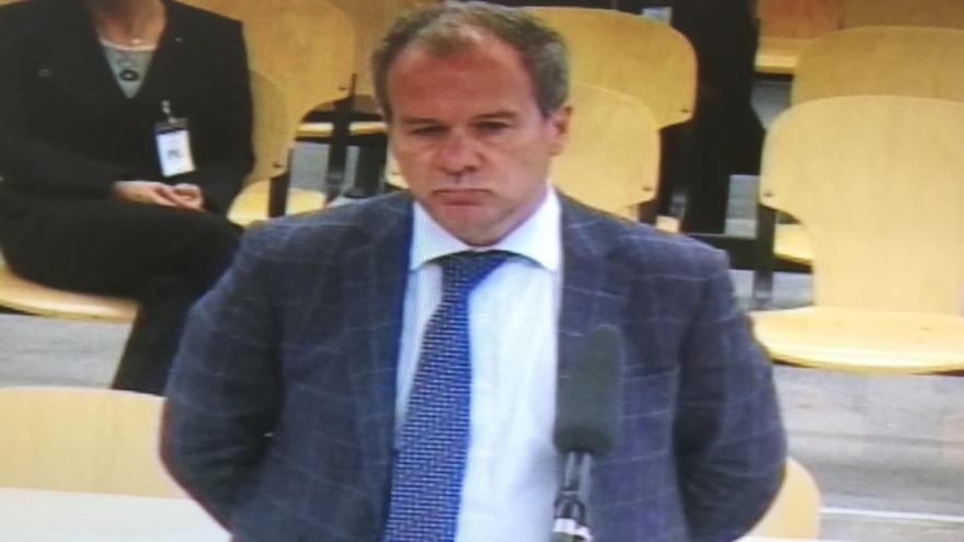 """Comín tacha de """"muy básicos"""" los cálculos realizados por Casaus en la fusión de las cajas que creó Bankia"""
