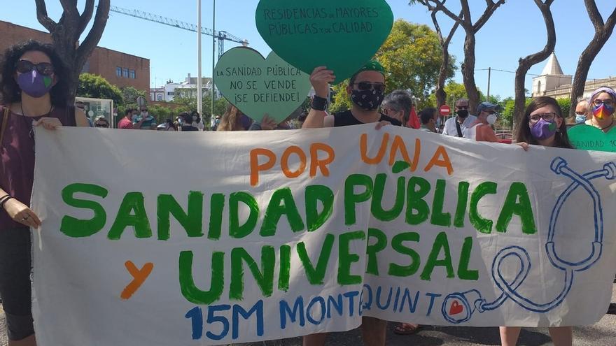 Centenares de personas se concentran en Andalucía en defensa de la sanidad pública
