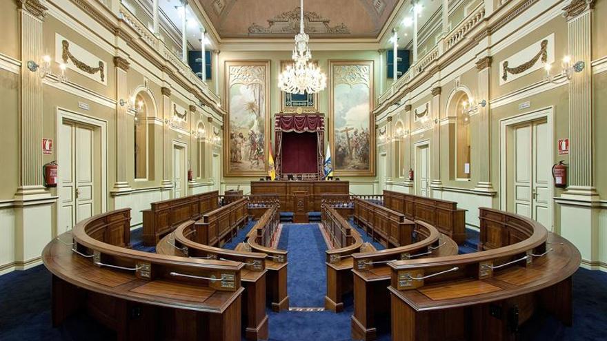 Parlamento de Canarias vacío (EUROPA PRESS)