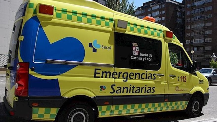 Ambulancia del Servicio de Emergencias de Castilla y León (archivo).