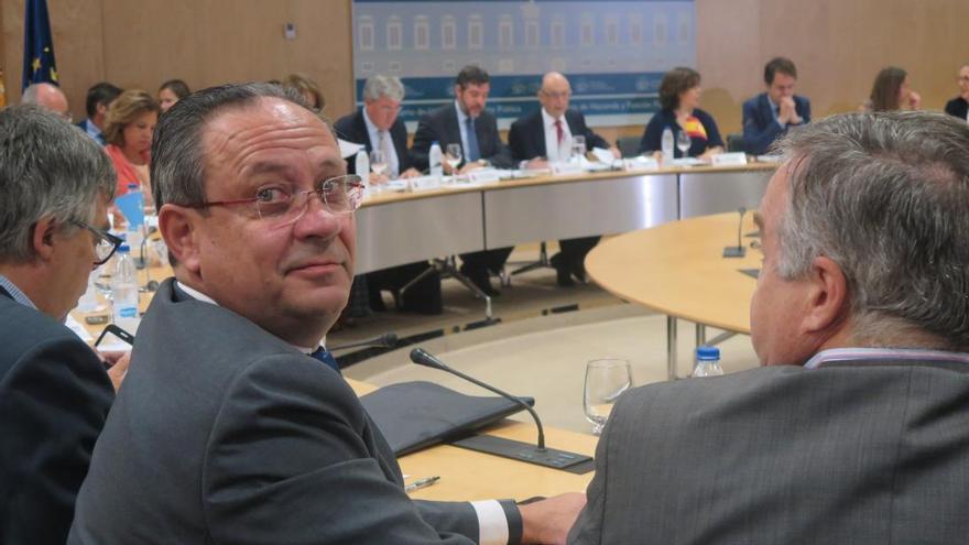 El consejero de Hacienda, en la reunión convocada en Madrid