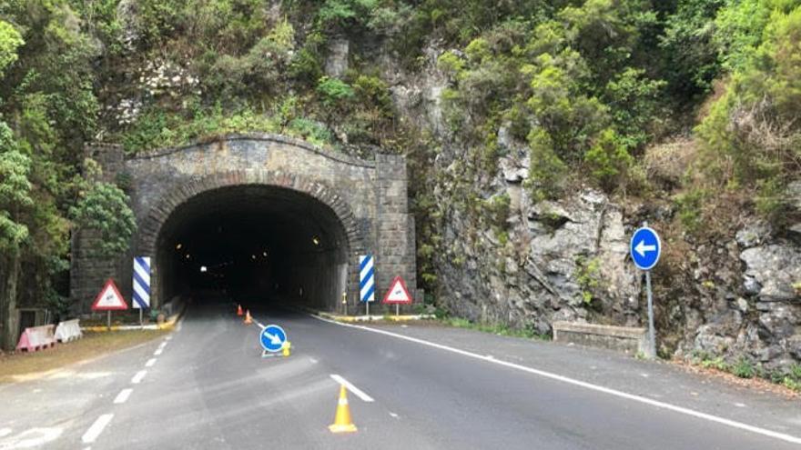 Túnel viejo de la carretera de la Cumbre.