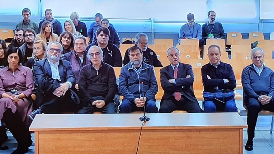 Los acusados por la falta de seguridad del accidente del metro de València en 2006.