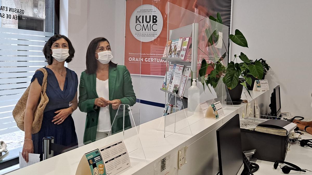 Yolanda Díez en la Oficina Municipal de Información a la Persona Consumidora antes de presentar el balance