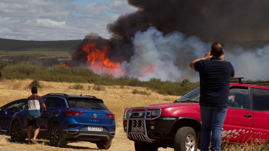 Descartan intencionalidad en el incendio de Zamora, debido a un error humano