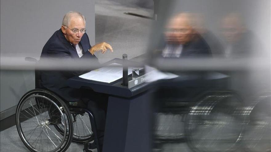 """Schäuble pide el sí al rescate griego y recuerda que los ajustes son """"irrenunciables"""""""