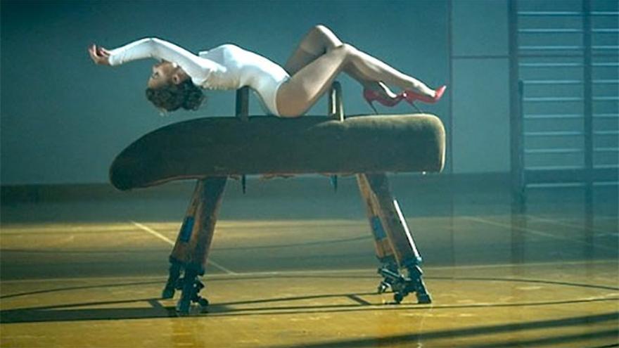 Kylie Minogue vuelve al potro